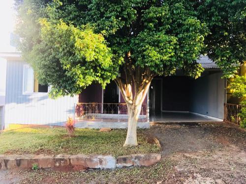 A garden outside Casa para Temporada de Verão