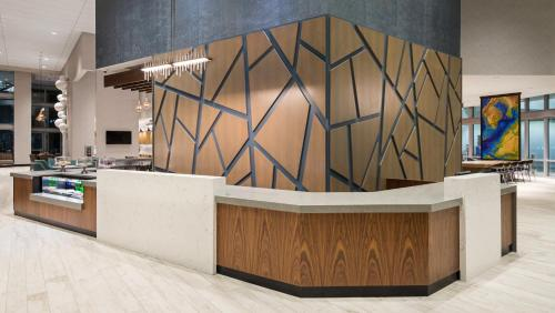 The lobby or reception area at Hyatt Place St. Petersburg/Downtown