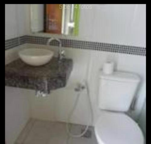 A bathroom at Residencial Brisa do Peró