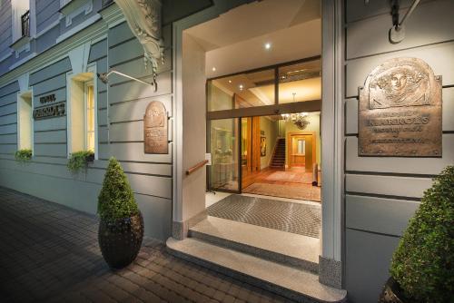 The facade or entrance of Marrol's Boutique Hotel