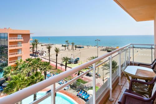 A balcony or terrace at Hotel Best Roquetas