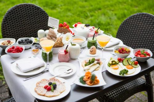 Breakfast options available to guests at Auszeit Hotel Düsseldorf - das Frühstückshotel - Partner of SORAT Hotels