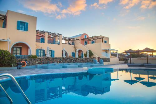 The swimming pool at or close to Anemoessa Villa