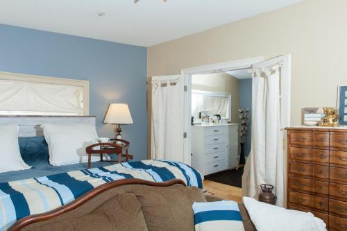 Кровать или кровати в номере Naomi's Inn Bed & Breakfast