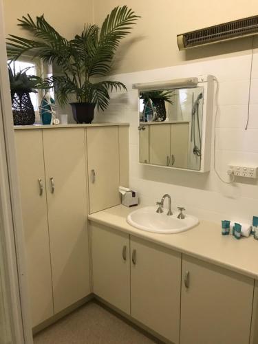 A bathroom at Beach Hotel