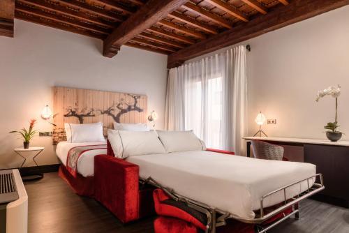 Cama o camas de una habitación en Eurostars Fuerte Ruavieja