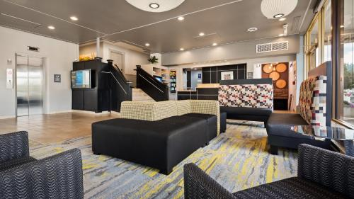 A seating area at Best Western Plus Milwaukee West