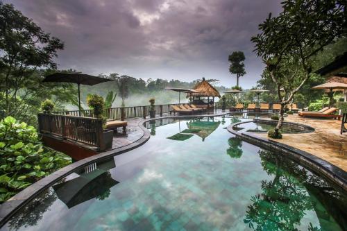 Het zwembad bij of vlak bij Nandini Jungle Resort & Spa Bali