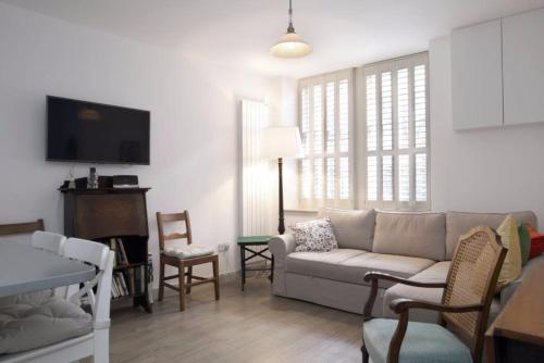1 Bedroom Mews Flat Accommodates 4