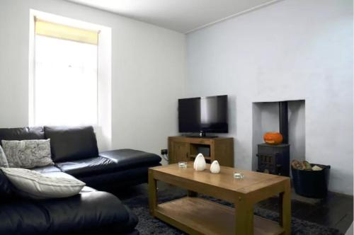 1 Bedroom Central Apartment 5 Minutes from Haymarket