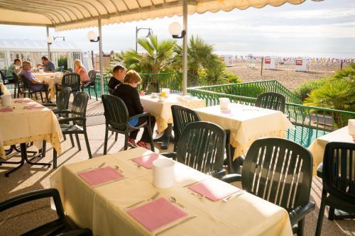 Restaurace v ubytování Hotel Royal Garnì