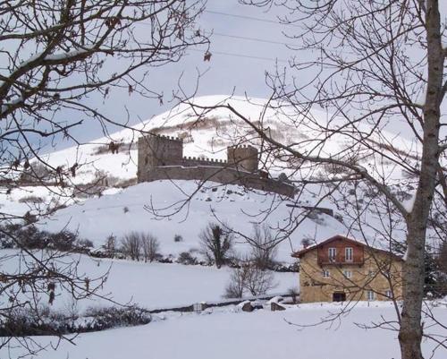 Posada Rural La Sosiega during the winter