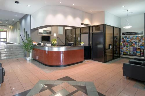 The lobby or reception area at Adelaide Riviera Hotel