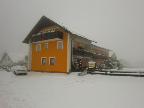 Pension Maddox during the winter