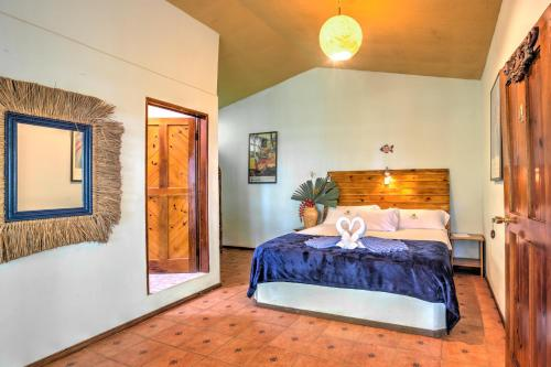 A bed or beds in a room at Hotel La Diosa
