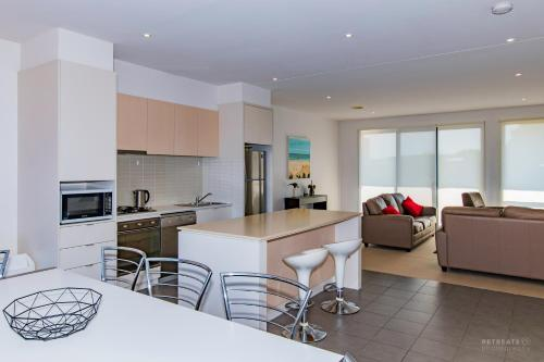 A kitchen or kitchenette at 23 Coast Drive Torquay
