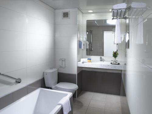 Ванная комната в Lev Yerushalayim Hotel
