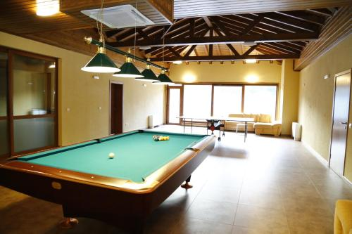 A pool table at Villa Velena