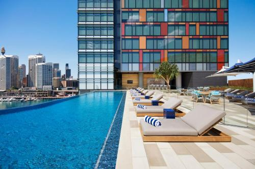 The swimming pool at or close to Sofitel Sydney Darling Harbour