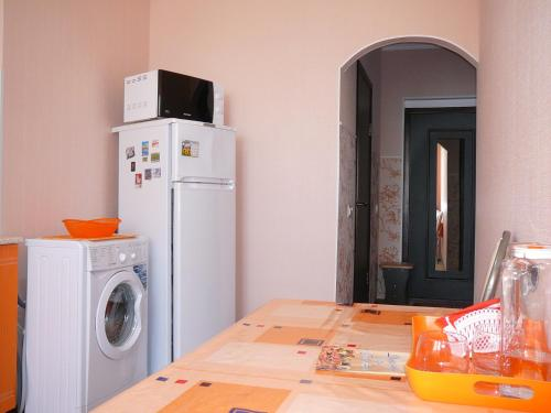"""Кухня или мини-кухня в 1-к квартира ЖК """"Азимут"""""""