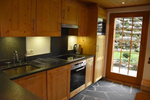 A kitchen or kitchenette at Eclat de Soleil 023
