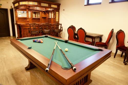 Biliardový stôl v ubytovaní Chalúpkovo