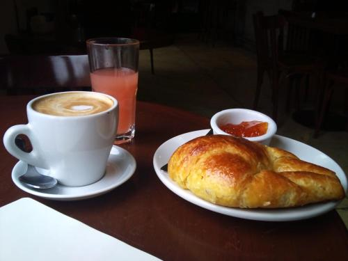 Breakfast options available to guests at Hotel El Doncel