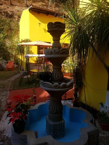Ein Blick auf den Pool von der Unterkunft Hotel Casa del Cerro oder aus der Nähe