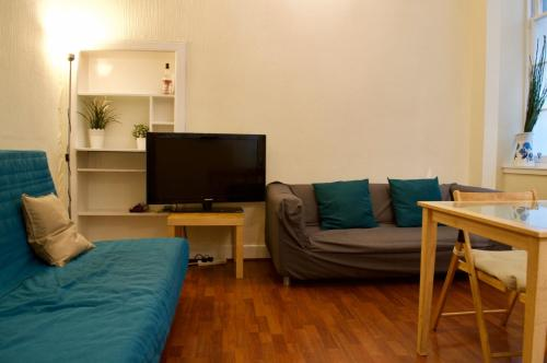 2 Bedroom Apartment in Pleasance Accommodates 4