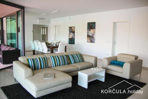 Ein Sitzbereich in der Unterkunft Korcula Holiday