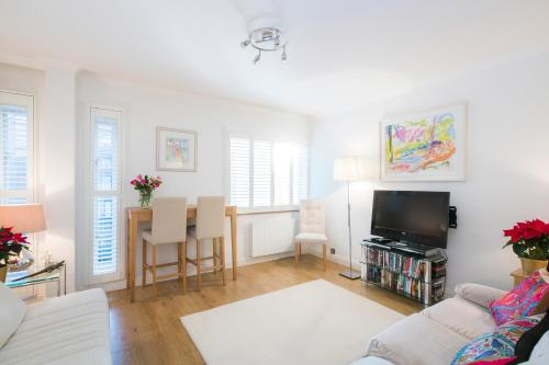 Sublime 1 bed flat with Thames view