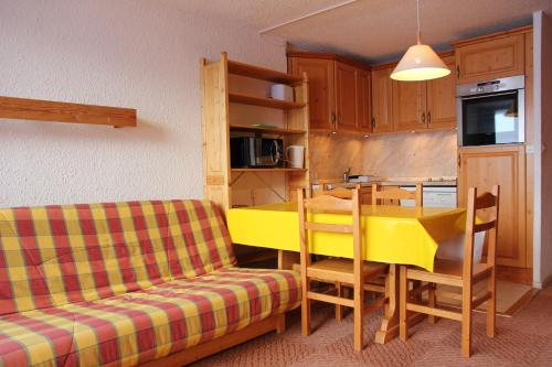 A kitchen or kitchenette at 3 Vallees