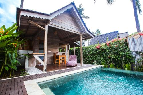 The swimming pool at or near Camilla Resort