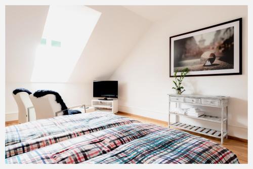 TV/Unterhaltungsangebot in der Unterkunft Bed & Kitchen am Tavelweg - Adults Only