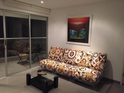 A seating area at Paracas Apartment