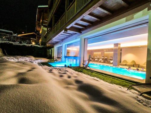 Bazén v ubytování Francesin Active Hotel nebo v jeho okolí