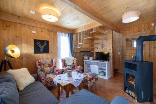 Ein Sitzbereich in der Unterkunft Ferienhaus Kreischberg