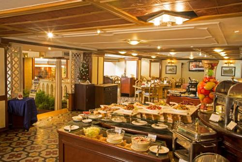 A restaurant or other place to eat at The Chancery Hotel