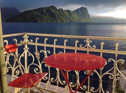 Ein Balkon oder eine Terrasse in der Unterkunft Hotel Terrasse am See