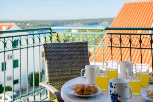 A balcony or terrace at Vila Mimoza