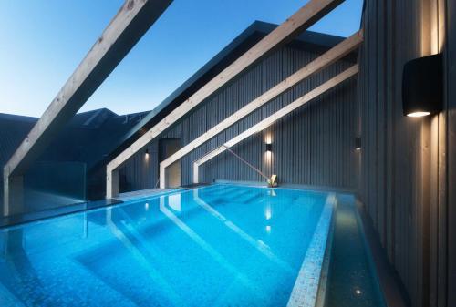 Swimmingpoolen hos eller tæt på Hotel Berg by Keflavik Airport
