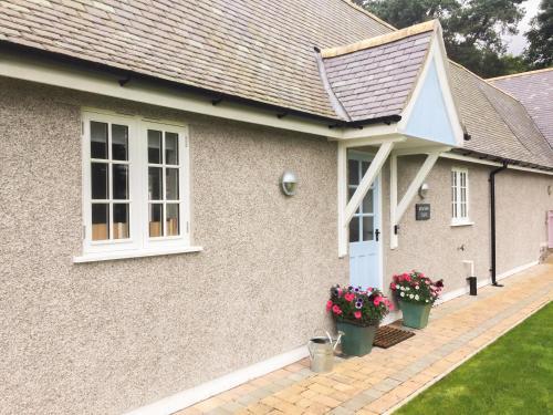 Bronwen Lodge