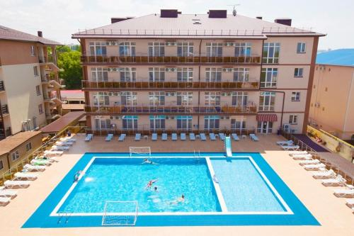 Вид на бассейн в Гранд Прибой Отель или окрестностях