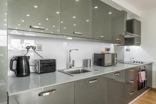 Modern Bedford Blues Apartment