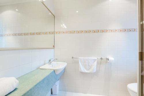 A bathroom at Tonsley Hotel