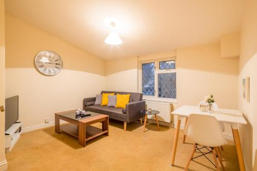Deep Cleaned 1 Bedroom Apartment - Colestrete