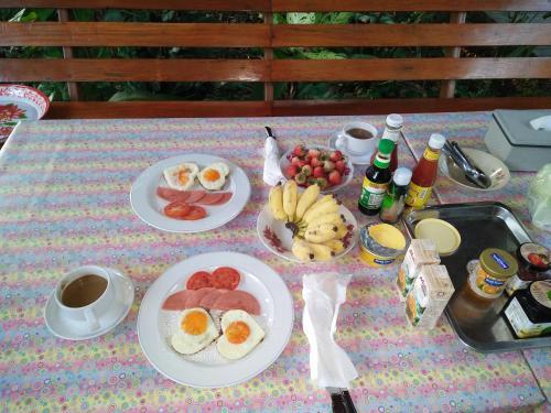 อาหารเช้าซึ่งให้บริการแก่ผู้เข้าพักที่ Romyen House