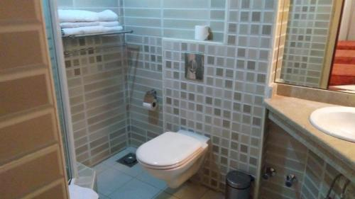حمام في فندق الفراعنة
