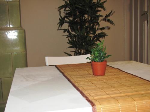 Un pat sau paturi într-o cameră la Kiralyi Central Apartment