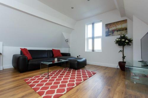 A seating area at select service apartments